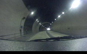 トンネル走行時